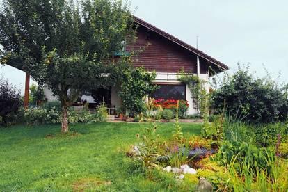 Begehrter Sternchenbau im Grünland, westliches Innviertel an der Grenze zum Salzburger Flachgau
