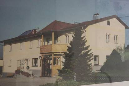 Großes Haus mit vielen Möglichkeiten