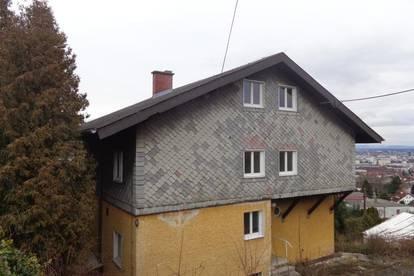 Super Wohngelegenheit in großem Haus über den Dächern von Linz!