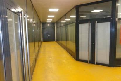 NÄHER als MITTEN IM ZENTRUM geht nicht mehr! AB SOFORT über 1000 m² Büro- und/oder Lagerfläche zu vermieten!