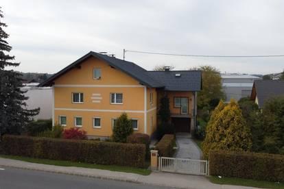 Zentral gelegenes großes Wohnhaus in Schwanenstadt
