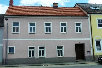 NEUREAL - Zweifamilienhaus in zentraler Lage