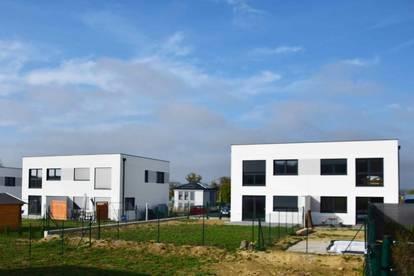 Schlüsselfertige Doppelhaushälfte von ELK BAU ab € 865,- monatlich! TOP 2