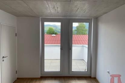 Modernes Haus mit Sichtbeton in Kössen