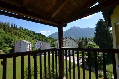 Dachgeschoß-Mietwohnung mit Balkon