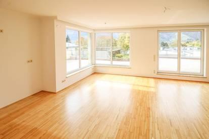 Helle 4 Zimmerwohnung mit großer Terrasse