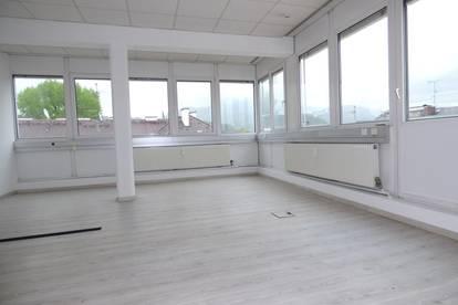 Penthouse-Büro mit Süd - westlicher 40qm Terrasse - Top 5