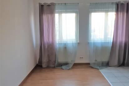 ACHTUNG NEUER PREIS  Komplett neu renovierte Wohnung in Pfaffstätten