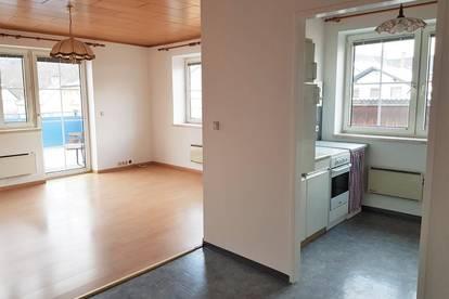 Schöne 3 Zimmer Wohnung mit großer Terrasse