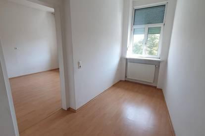 helle Wohnung in Ruhelage - Nähe UKH
