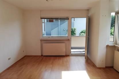 1-Zimmer-Wohnung mit Balkon + kleiner Garten