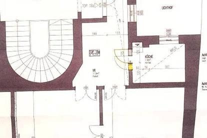 Stilvolle und generalsanierte Altbauwohnung in der City