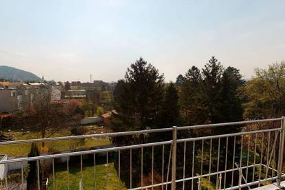 Einzigartige Dachmaisonette mit Terrasse + Panorama-Dachterrasse + Eigengarten + Garagen- + Stellplatz