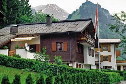 Dreifamilienhaus mit 2 Ferienwidmungen