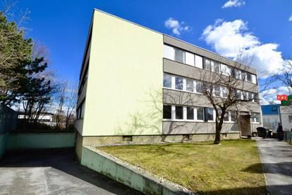 Multifunktionales Bürohaus zu mieten (Büro, Schulungsräume, Arbeiterquartier, etc.)