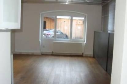 Zirl: große 2 Zimmerwohnung auf 74m2 mit Loggia und Parkplatz um € 790.--