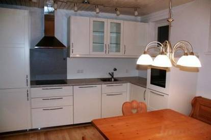 möblierte 70m2 Wohnung mit Balkon und Tiefgarage um € 790.--