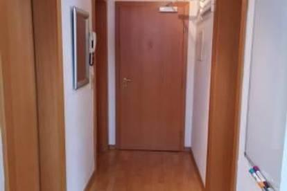 Kematen: 2 Zimmerwohnung auf 40m2 mit Balkon und Parkplatz um € 720.--