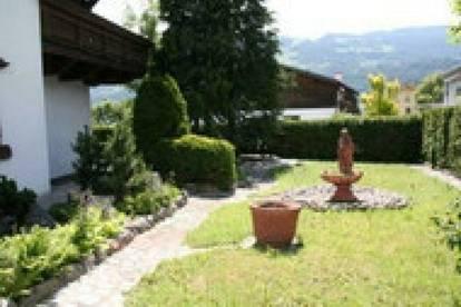 Mils: Einfamilienhaus mit Garten und Doppelgarage um € 1800.--