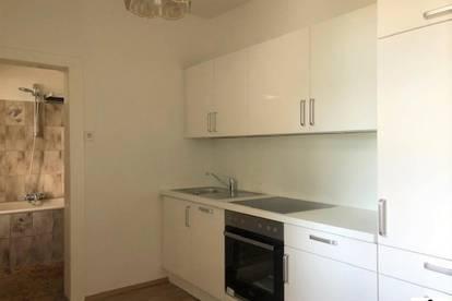 Top 2 Zimmerwohnung - Altbau mit neuer Küche