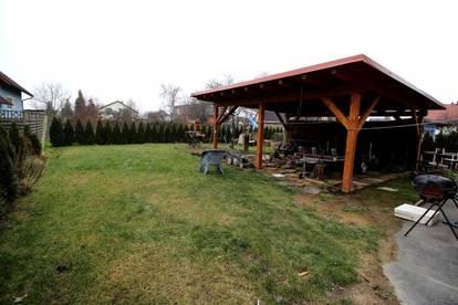 Neuwertiges Wohnhaus mit Garten und Carport!
