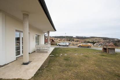 Helles Einfamilienhaus mit schöner Aussicht!