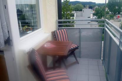 Zentrales Apartment mit Balkon!