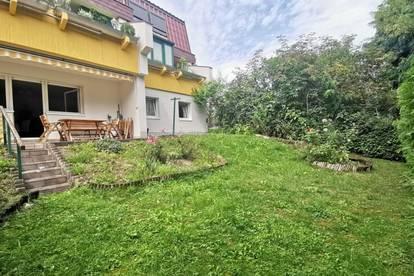 Terrassenperle mit sonnigen Garten