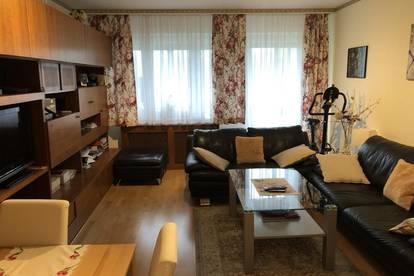 Gemütliche 3 Zimmerwohnung im Süden der Stadt - mit Loggia