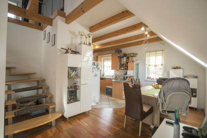 Familienfreundliche Dachgeschosswohnung in ruhiger Lage!