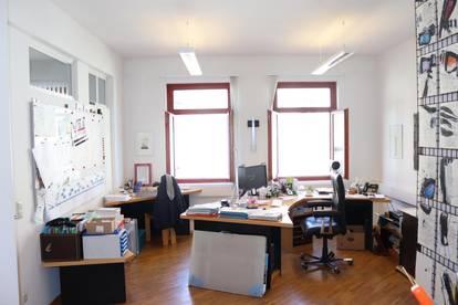 Helle Büroräumlichkeit mitten im Zentrum