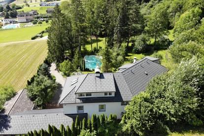 Villa mit gigantischem Grundstück!