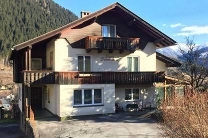 Großzügiges Wohnhaus mit 3 Wohnungen in guter Lage in Winklern