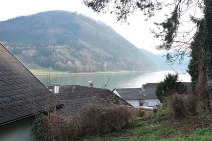 Ruhige Haushälfte mit Donaublick in Grein zu mieten