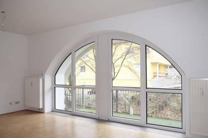 Helle Wohnung mit Balkon im Zentrum
