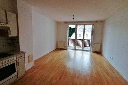 Stockerau: Helle 2½-Zimmer-Wohnung in zentraler Grünruhelage mit West-Balkon zu mieten