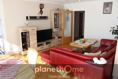 Zentrumsnahe 4-Zimmer-Loggia-Wohnung mit TG Stellplatz