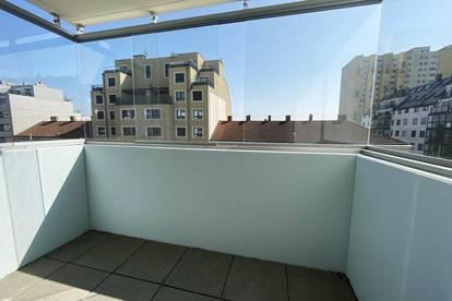 Provisionsfrei: großzügige 2-Zimmer-Wohnung mit Balkon: U1 Kagraner Platz