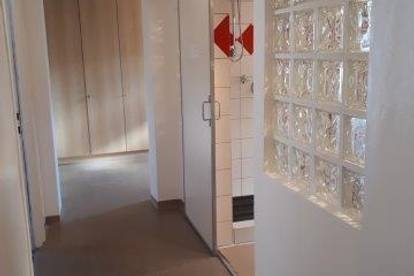 Büro bzw. Therapie im Erdgeschoss, Buch in Tirol