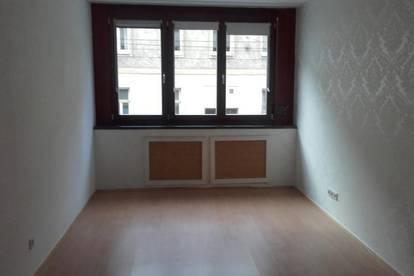 Befristete 3 Zimmer Wohnung mit Balkon