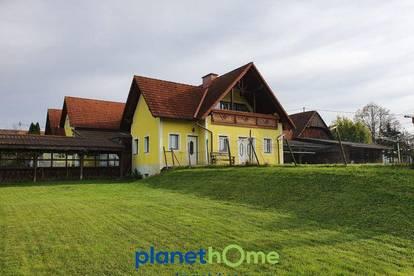 Wohn-, Buschenschank- und Wirtschaftsgebäude in der Thermenregion mit 55.800 m² Grund!