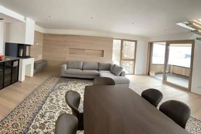 Luxuriöse Dachterrassen-Maisonette in Stadtrandlage