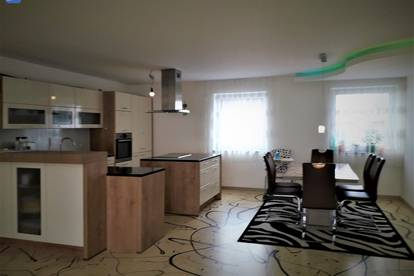 Modernes, möbliertes Haus sofort beziehbar!