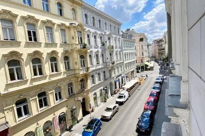 Super zentrale und urbane Lage! Wunderschöne 3 Zimmer Altbauwohnung mit franz. Balkonfenster zu vermieten!