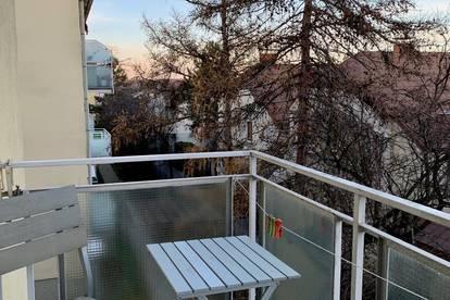 Sehr schönes, sehr ruhiges Wohnschlafzimmer mit Balkon zu vermieten!