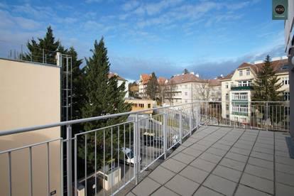 Erstbezug: Luxus - Dachgeschoss - Maisonette Wohnung mit 2 Terrassen, 2 Balkonen und Tiefgarage in Gersthofer Bestlage!