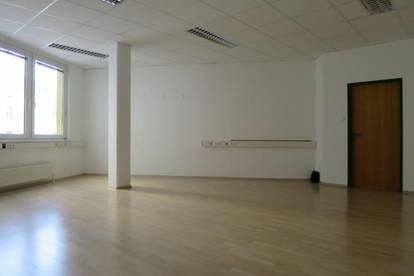 Bürofläche in Gemeinschaftsbüro zu vermieten!