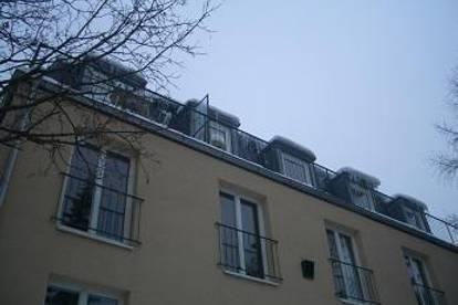 Sievering: sonnige 2 Zi.-DG-Terrassenwohnung, perfekt als 2er-WG!