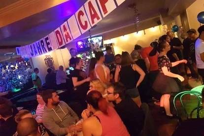 PROVISIONSFREI: Cafe-Bar, sehr gut etabliert - wegen Pensionierung abzugeben!