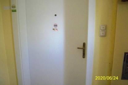 Wohnung oder Büro im 1. Stock mit ca. 120 qm günstig zu Mieten!